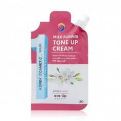 крем для лица осветляющий eyenlip milk flower tone up cream